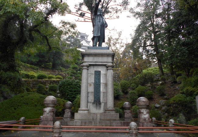 板垣退助銅像
