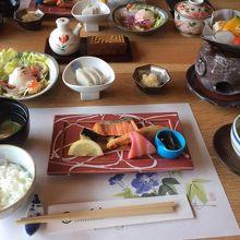 朝ごはんは和食、洋食選べます