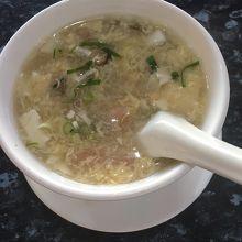 豆腐と海鮮のスープ  小ぶりでした。