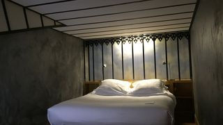 クール デ ロージュ ホテル