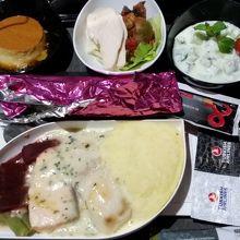 国際線夕食