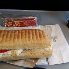 国内線サンドイッチ