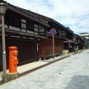 金屋町(千本格子の家並み)