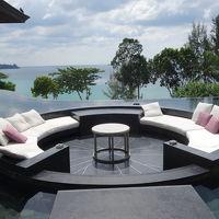 最近、流行りの水に浮かぶ円形ソファー