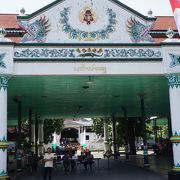 インドネシア音楽と伝統品の展示