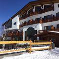 今年も初滑りに…ホテルグランフェニックス奥志賀 。