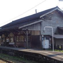 大隅横川駅舎