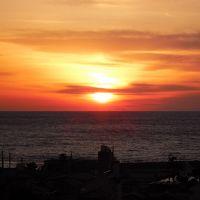 窓から見た夕焼け