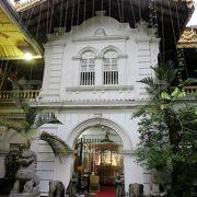 カオスな寺院
