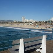 あまりにも有名な桟橋の有るビーチ