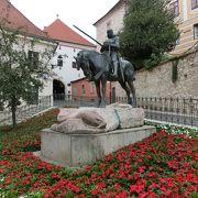 聖グオルギウェの像