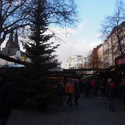 クリスマスマーケットも開かれている