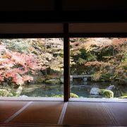 紅葉のきれいな小さなお寺