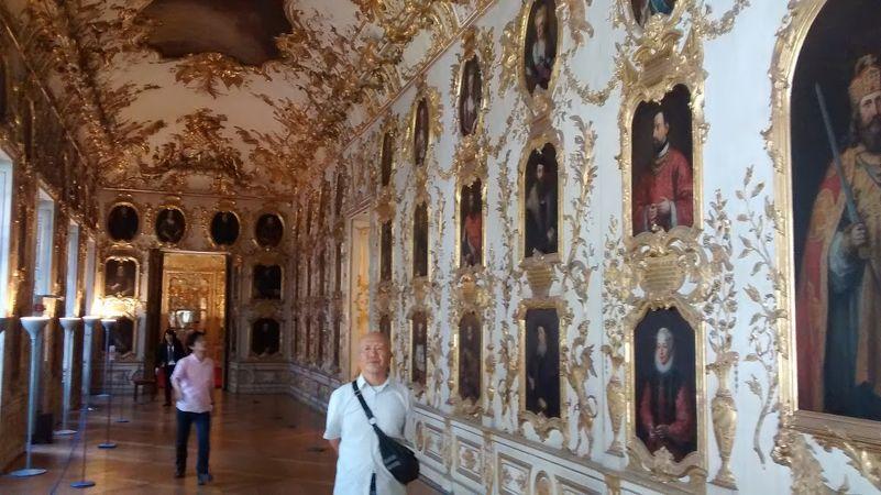 王宮内部の絢爛さ・豪華さには、本当に大感動