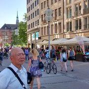 レジデンツからマリエン広場をつないでいる歩行者専用通り