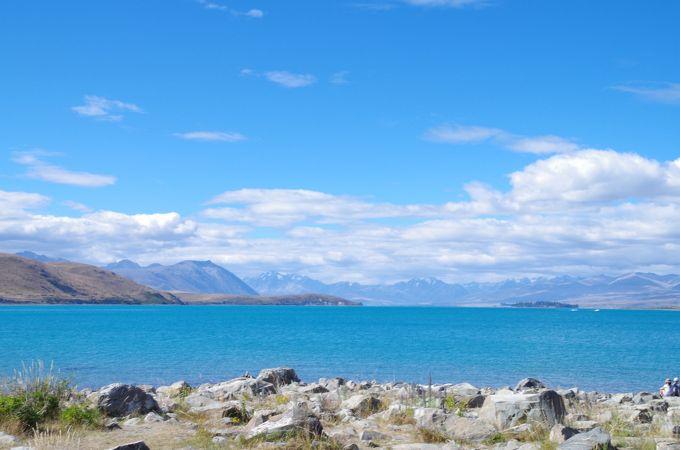 青い水と空