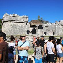 大宮殿(グレートパレス)観光客がいっぱい