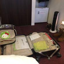 広げたスーツケースは約90センチ。少々狭いと感じました。
