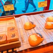 リサとガスパール以外にも、美味しそうなパンがズラリ!