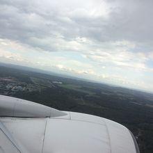 千歳空港 の着陸前の 景観