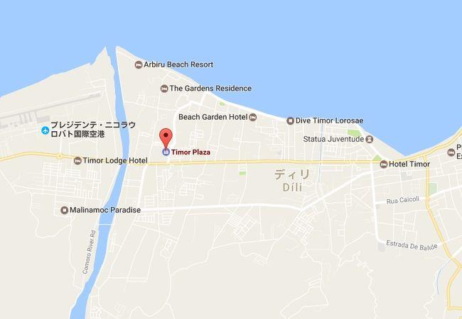 ティモールプラザは、首都ディリにできた総合ショッピングモールです。にぎわっています。