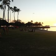 アラモアナビーチパークのとなり