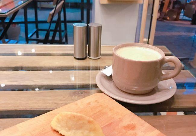 欧米スタイルのカフェ