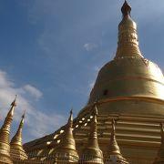 ミャンマー三大寺院の一つ