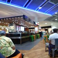 ケアンズ国際空港 (CNS)