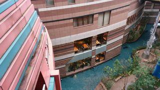 博多最大級の大型商業施設