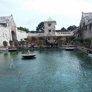 王宮の近くにある沐浴場