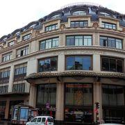パリの百貨店