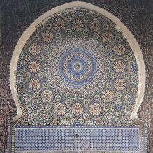 イスラム様式のタイルを見るだけでも行く価値あり。