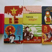 プロパガンダデザインは他の店では手に入らない品物ばかりです。一目でベトナム土産とわかるものは、お土産選びの際は助かります。