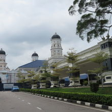 モスクの敷地内