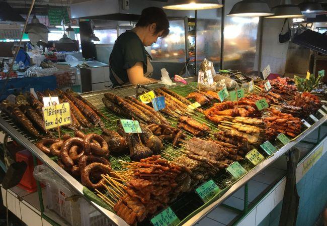 惣菜店が豊富にある市場