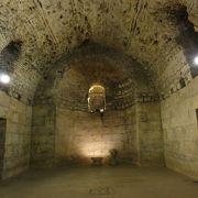 地下宮殿を見学