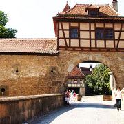 ローテンブルグの街を一周する城壁の登り口