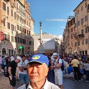 ローマの「竹下通り」のような雰囲気