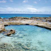 絶景の天然プール
