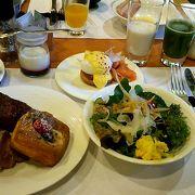 贅沢な朝食ビュッフェ