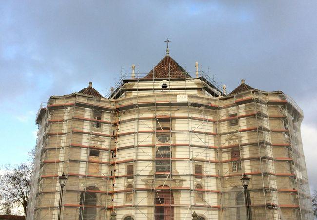 セニョーラ ダ ペドラ教会