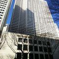 新宿駅西口の高層ビル街にあるホテル