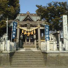 静かな神社です