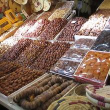 エディム広場の市場