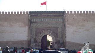 総延長40kmに及ぶ城壁内の旧市街が1996年に世界文化遺産に登録されました。