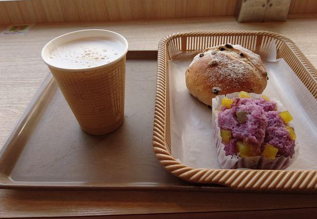 Cafe & bakery AZALEE 船堀店