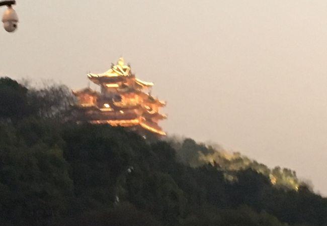 呉山城隍閣