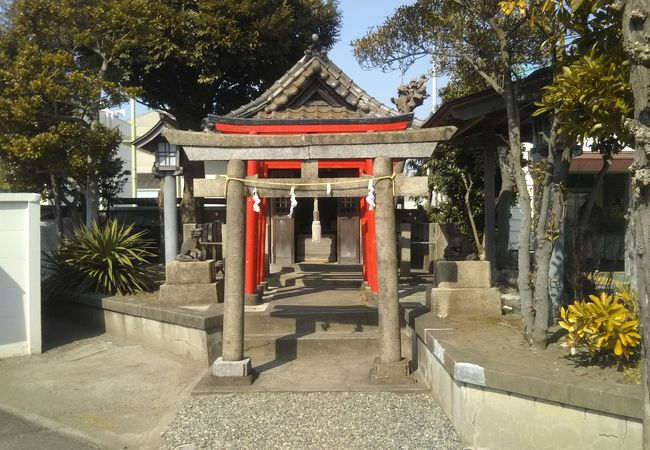 小さな神社