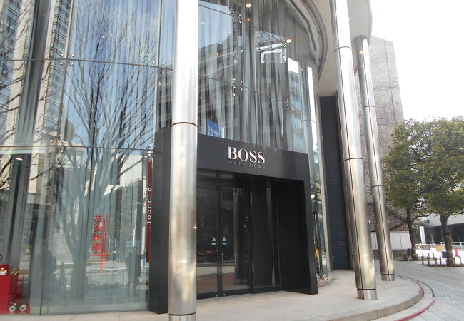 HUGO BOSS (六本木ヒルズ店)